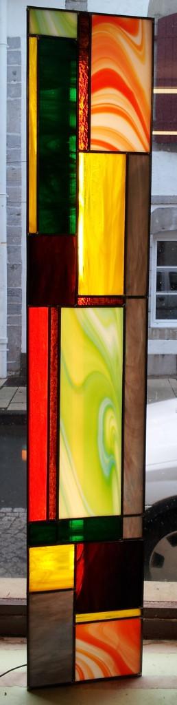Lampe vitrail colonne contemporaine vitraux d 39 art for Lampe exterieure contemporaine
