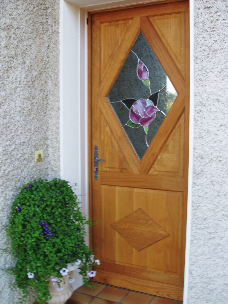 Vitrail porte d entr e roses losange vitraux d 39 art vanessa dazelle - Porte d entree avec vitrail ...