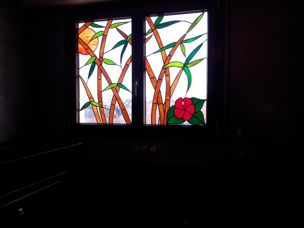 Vitrail figuratif bambous vitraux d 39 art vanessa dazelle for Fenetre en vitrail