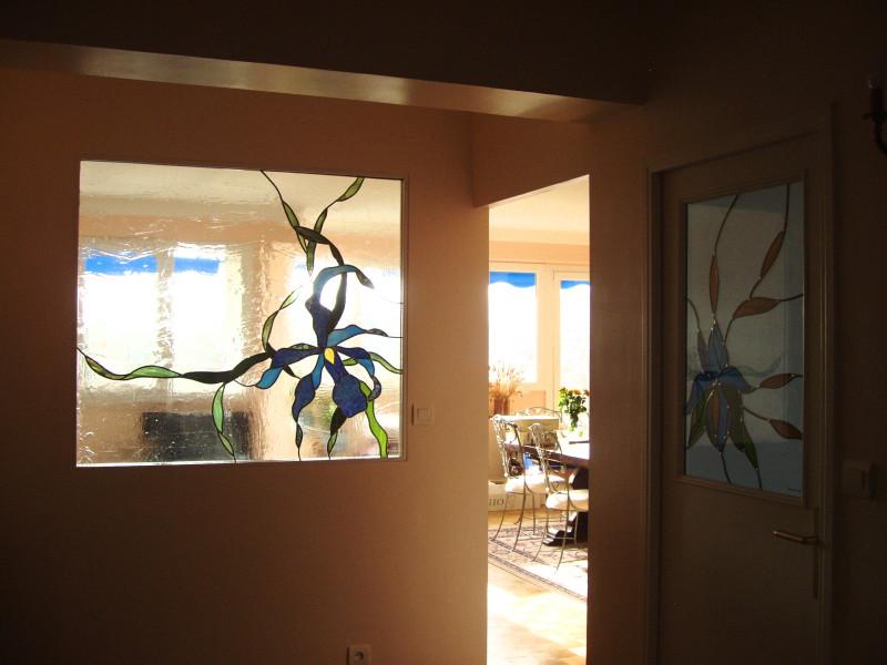 vitrail orchid e dans une cloison vitraux d 39 art vanessa dazelle. Black Bedroom Furniture Sets. Home Design Ideas
